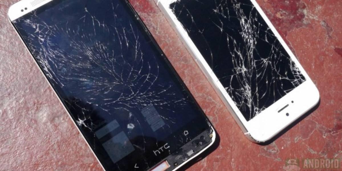 El HTC One y el iPhone 5 se enfrentan en un test de resistencia a golpes