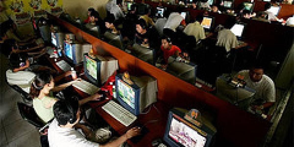 """China llegó a 24 millones de habitantes """"adictos"""" a internet"""