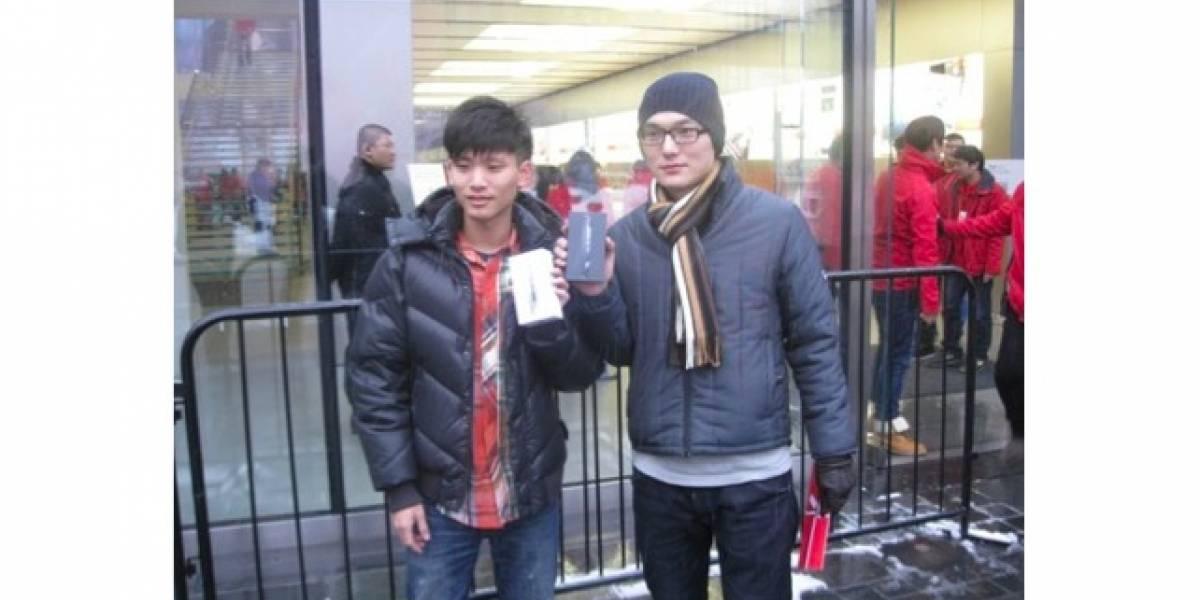 Sólo dos chinos esperaron al iPhone 5