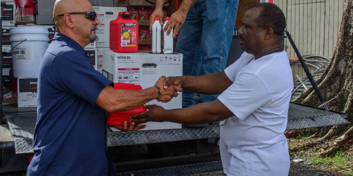 Cruz Roja entrega 400 generadores a veteranos en necesidad