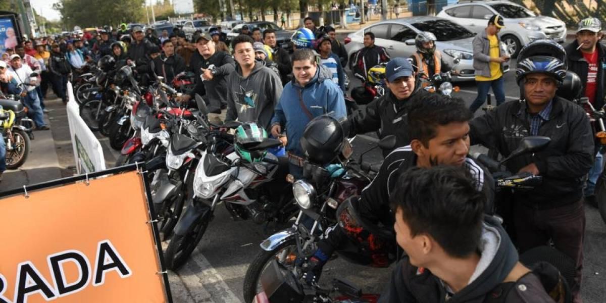 Motociclistas se preparan para la Caravana del Zorro
