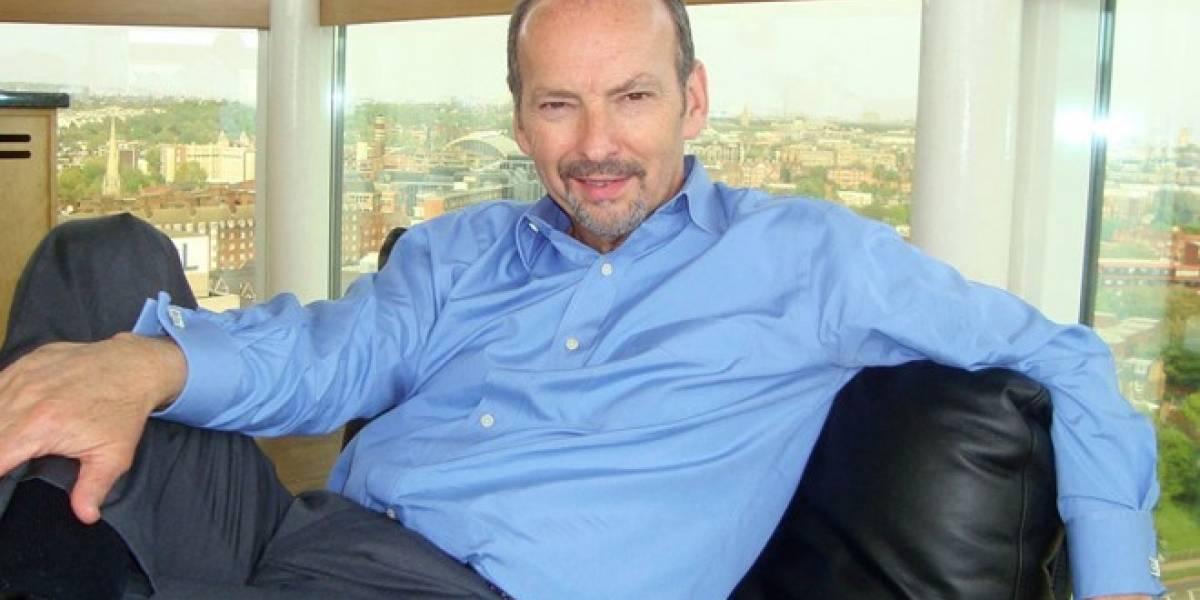 Peter Moore cree en la continuidad de las tiendas físicas