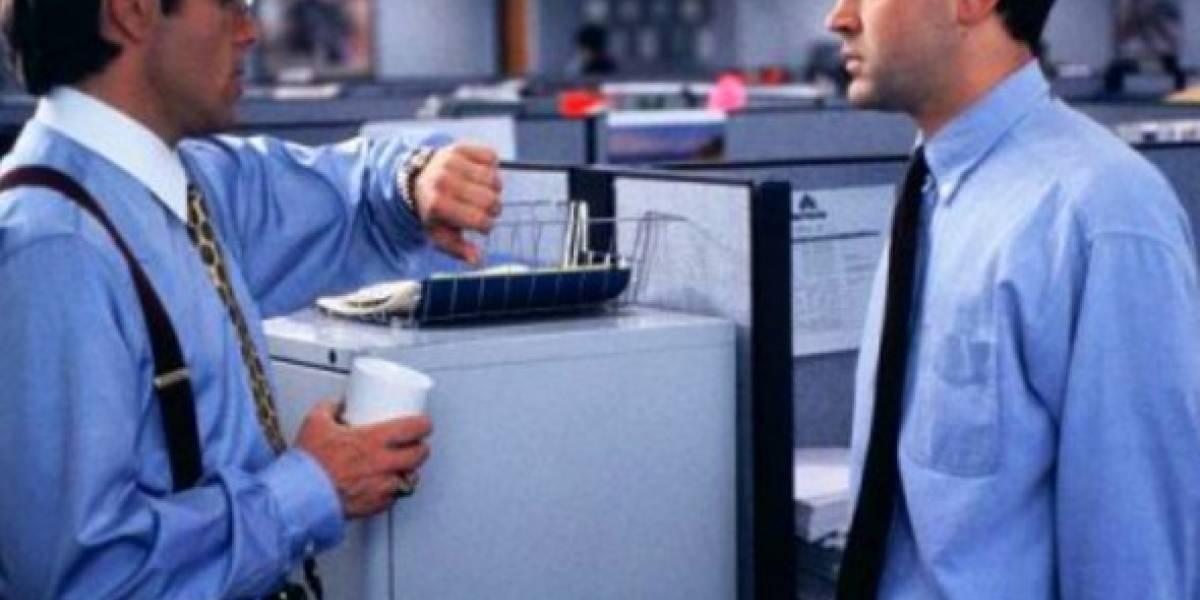 Actor Ron Livingston demanda a troll de internet