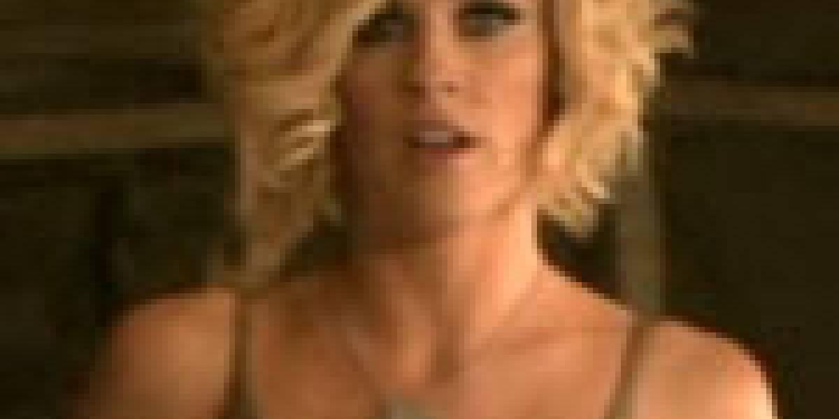 Jenny McCarthy en Red Alert 3... mijita rica!!