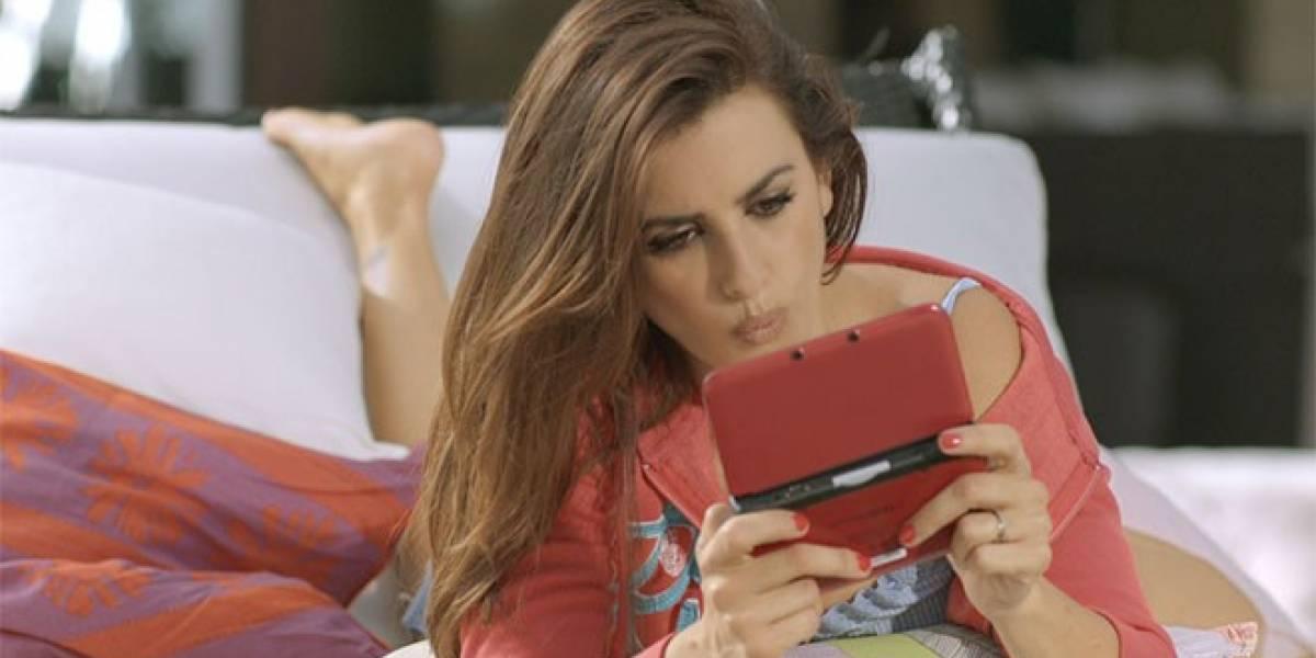 Penélope Cruz juega New Super Mario Bros. 2