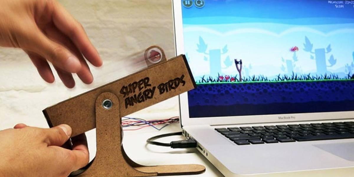 Así se juega Angry Birds con un control personalizado
