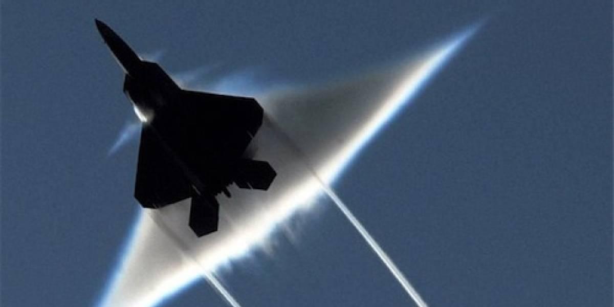 Imperdible: Jet rompiendo la barrera del sonido