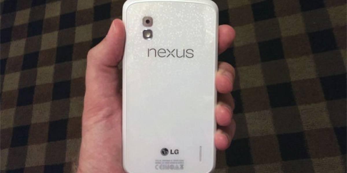 El Nexus 4 blanco debería llegar en Junio, y con Android 4.3