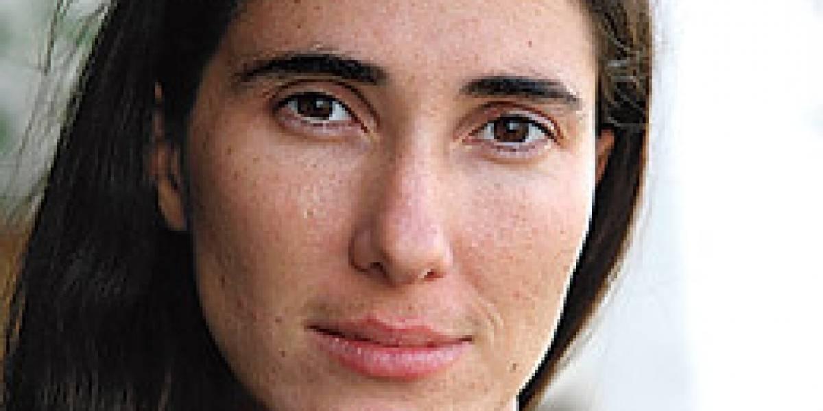 Bloguera cubana Yoani Sánchez pide ayuda para ir a Chile