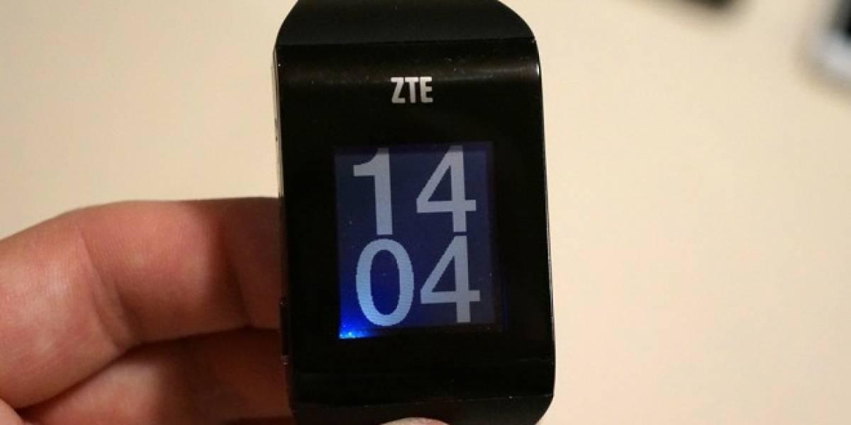 ZTE muestra un prototipo de su smartwatch BlueWatch en #CES2014