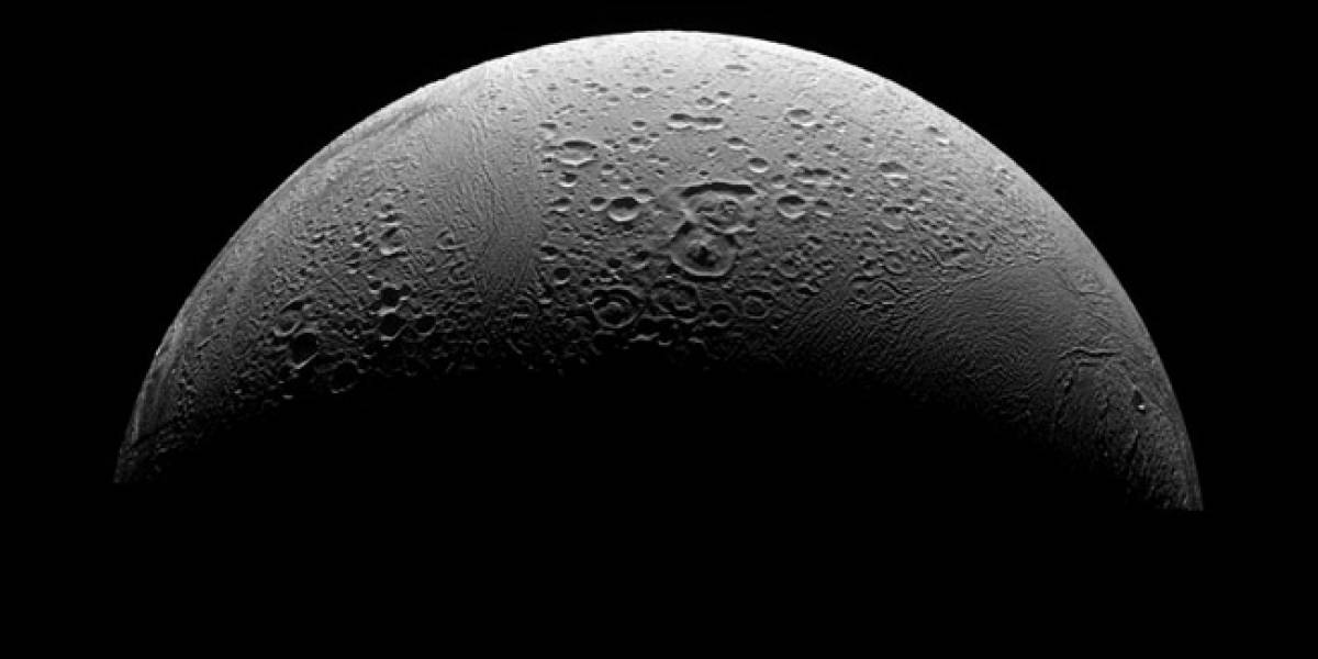 Cassini envía imágenes de Enceladus