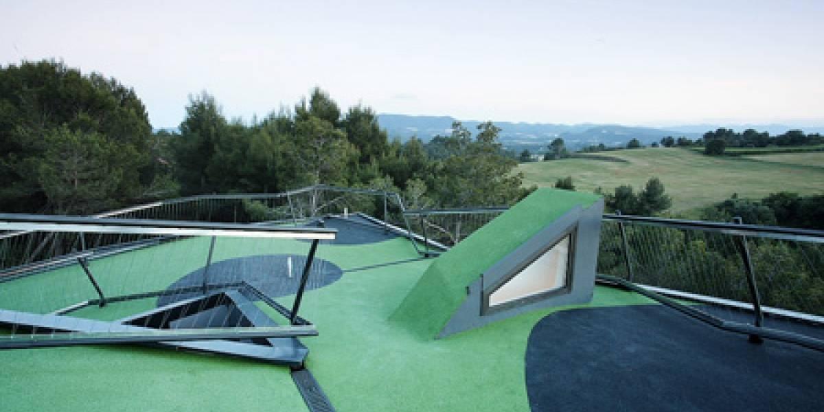 Casa con Mini Golf en el techo