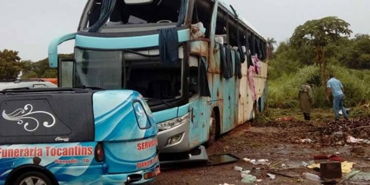 Volcadura de autobús en Brasil deja siete muertos
