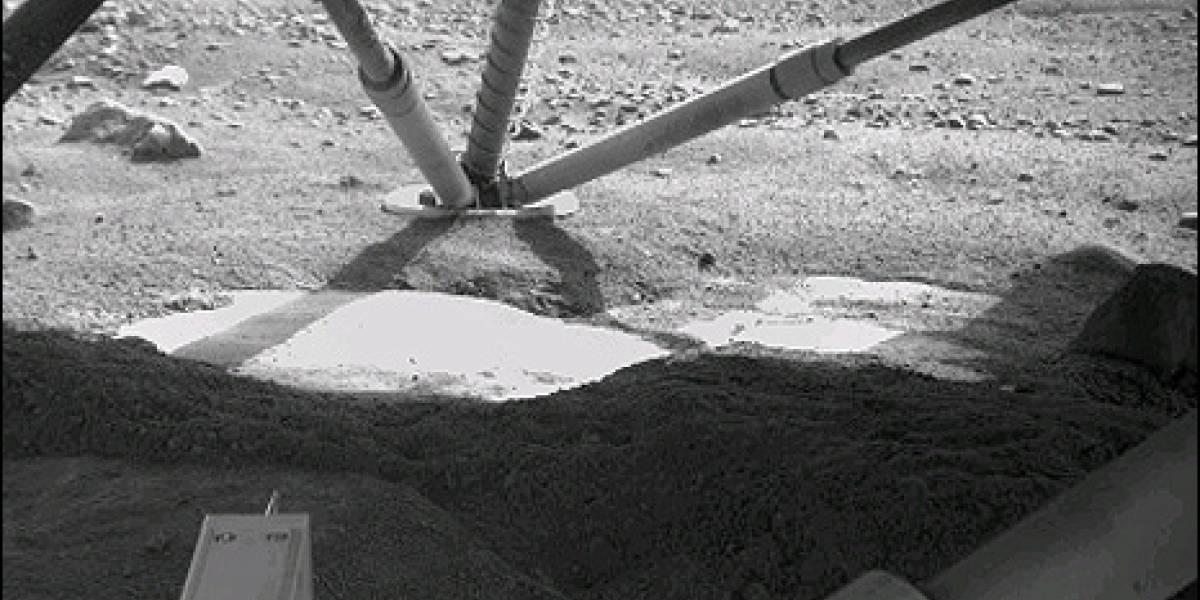 Phoenix descubre señales de agua en Marte
