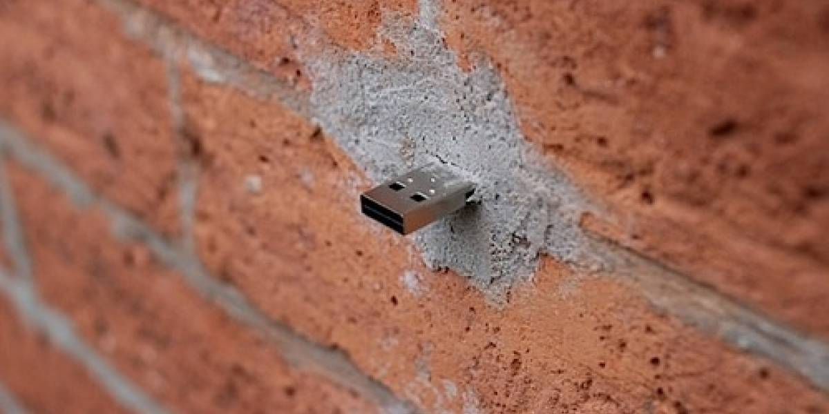Dead Drops: Unidades USB incrustadas en paredes