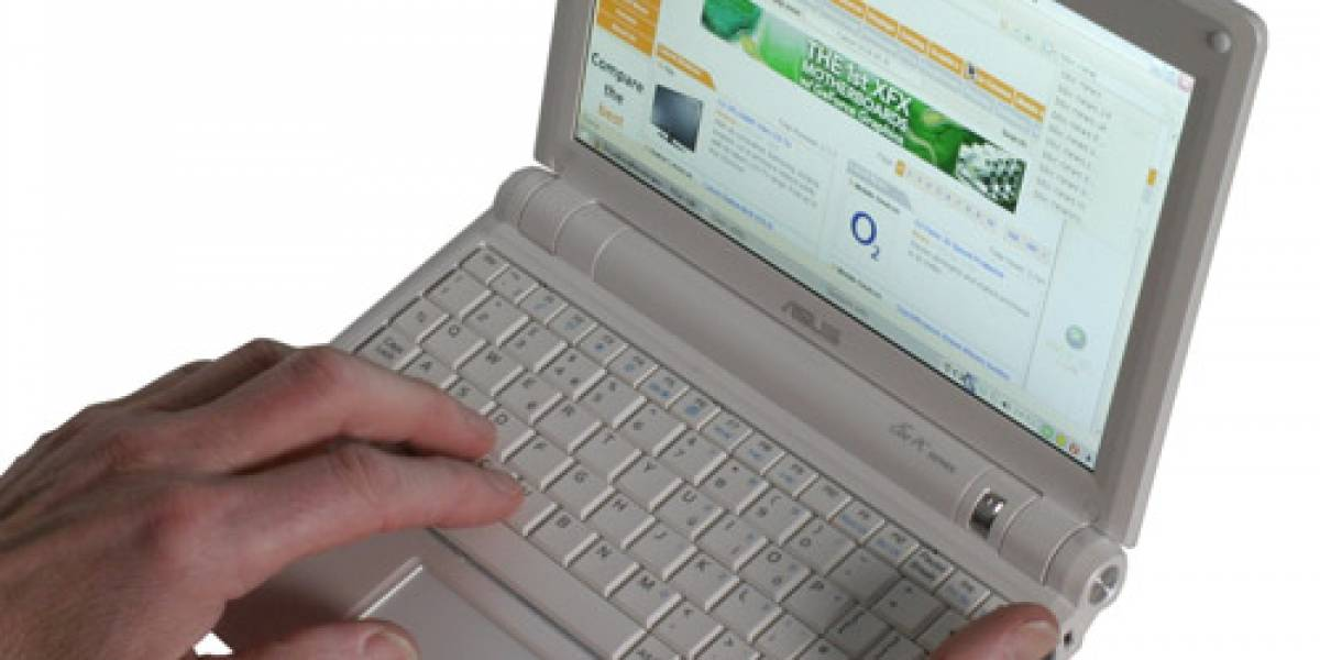 ASUS: Eee PC 900 con multi-touch para Mayo