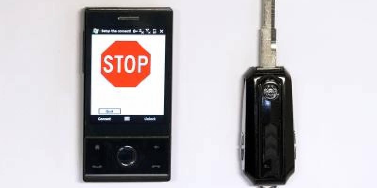 Llave especial impide usar el celular mientras se conduce