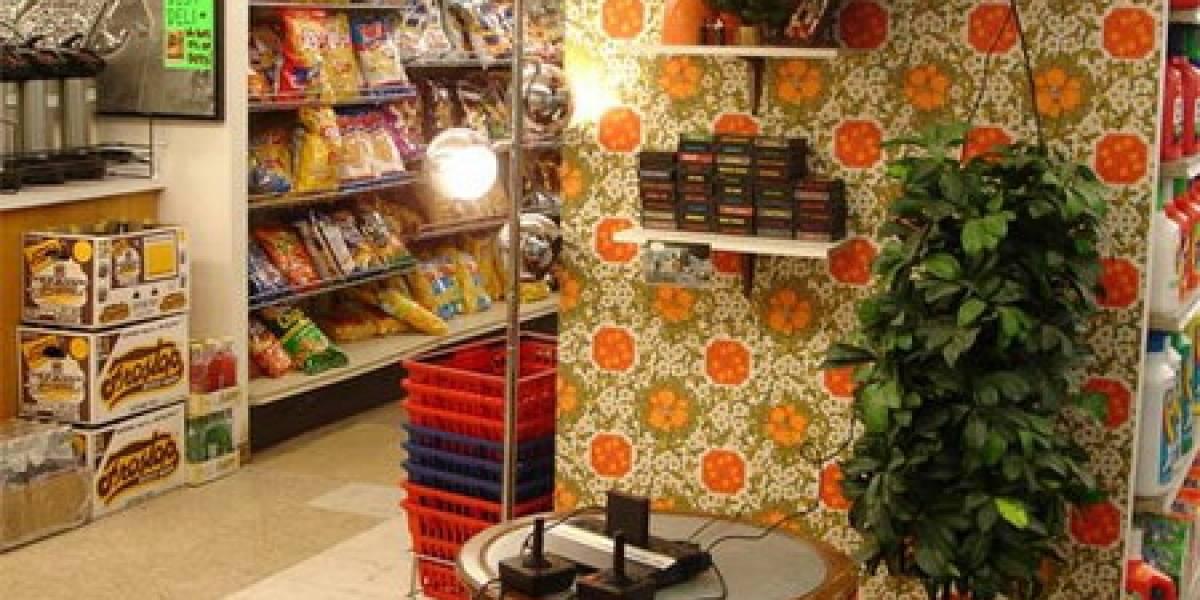 Minimarket se moderniza ofreciendo jugar con un Atari 2600