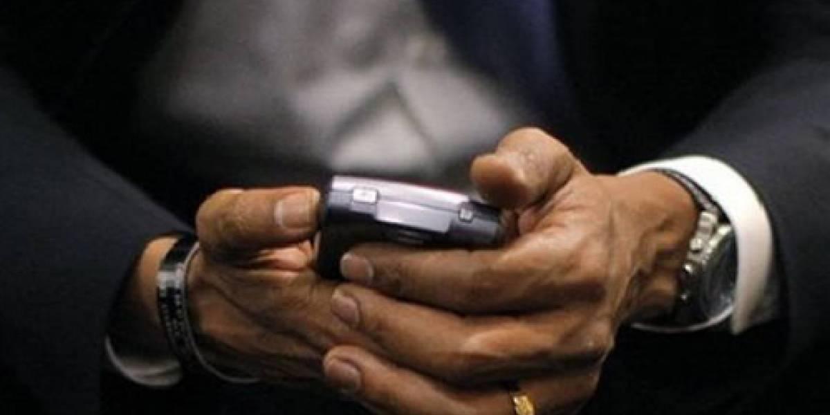 Obama conserva su BlackBerry pero sólo para uso personal