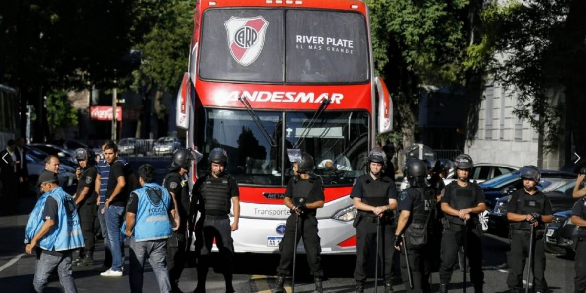 Amenaza de bomba atrasa el inicio del partido Huracán vs River