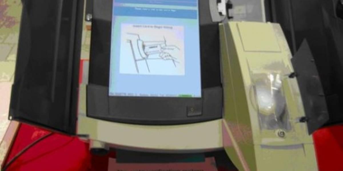 Reconocen un error crítico en máquinas de voto electrónico