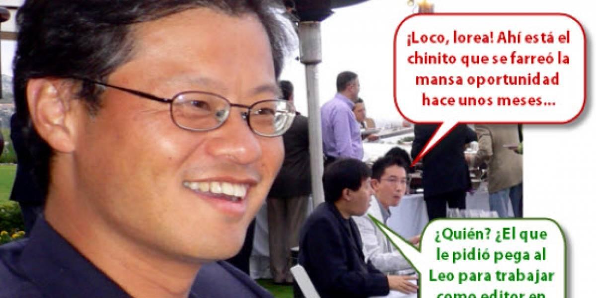 Jerry Yang se arrodilla frente a Microsoft