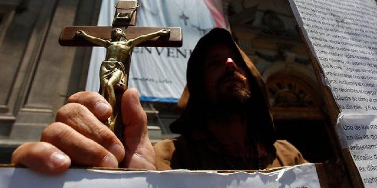 Congregación Jesuita pide perdón a ex alumnos vulnerados por sacerdote Guzmán