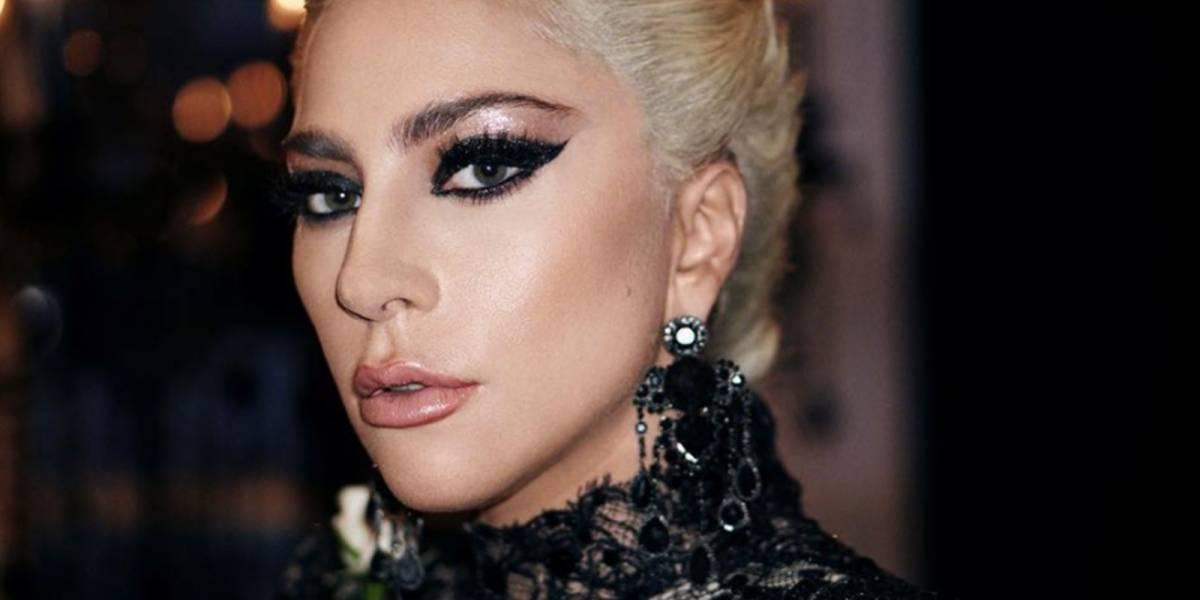 Lady Gaga impacta en el Grammy 2018 con el peinado más atrevido