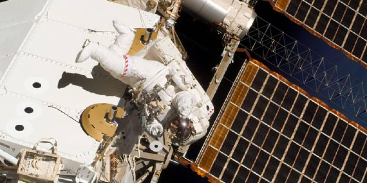Endeavour completa tercera caminata espacial