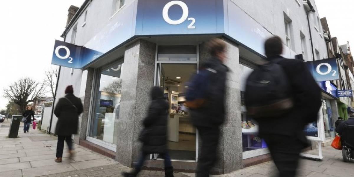 Telefónica le vende su filial O2 en Reino Unido a Three