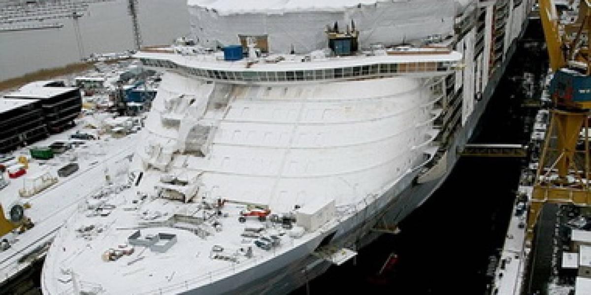 Oasis of the Seas: El crucero más grande del mundo toca agua por primera vez