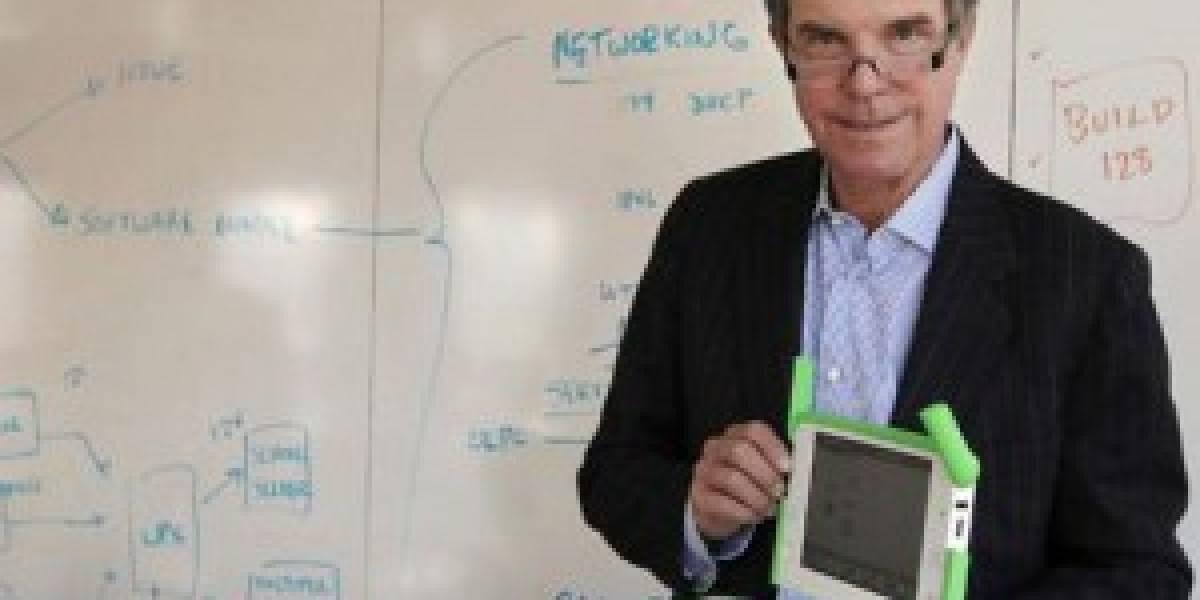 Nicholas Negroponte: El libro de papel morirá de aquí a 5 años
