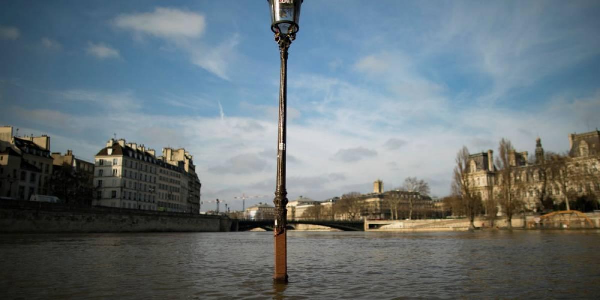 Alerta en París por inminente desbordamiento del río Sena