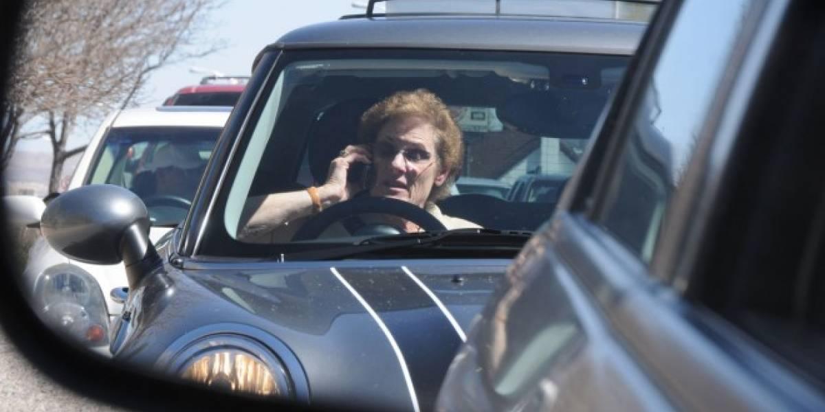 Un nuevo algoritmo detectaría si hablas por teléfono mientras conduces