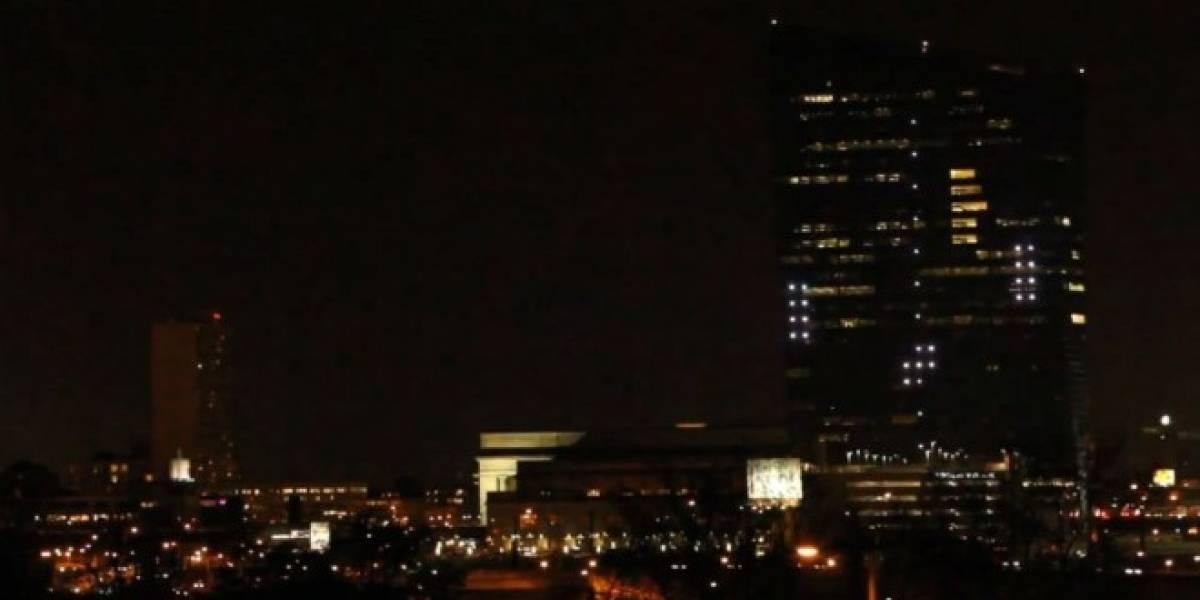 Así es cómo se juega Pong sobre la fachada de un edificio de 29 pisos