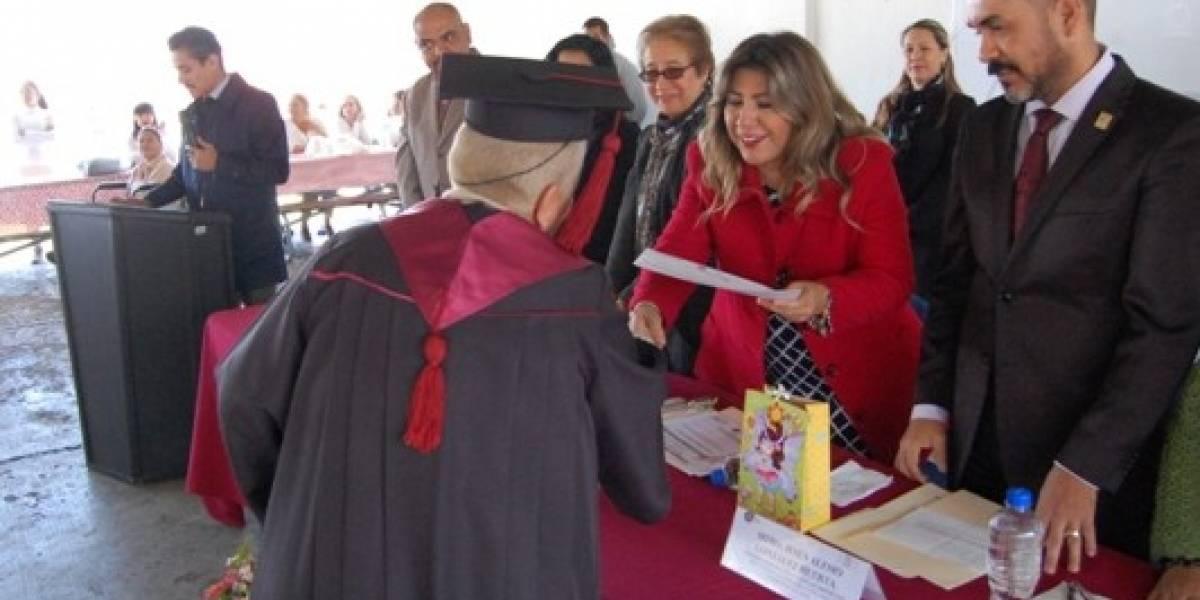 Se gradúan de la preparatoria 64 personas en reclusorios de Jalisco