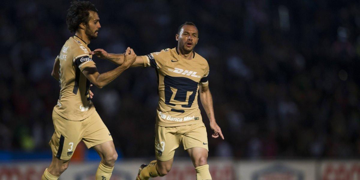 Con golazo y error: Marcelo Díaz tuvo un duelo de dulce y agraz en empate de Pumas