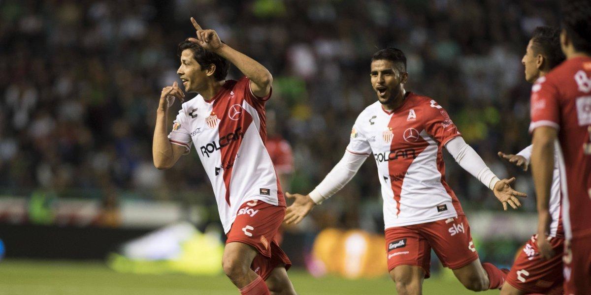 Matías Fernández anotó un golazo de tiro libre para Necaxa y luego de 316 días sin marcar