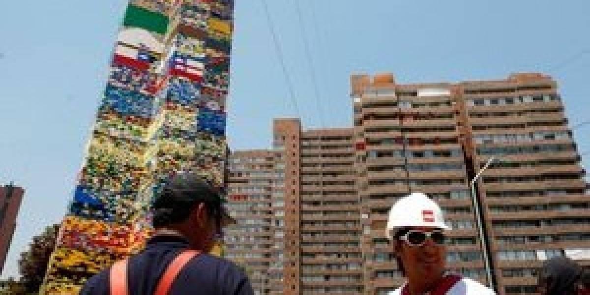 Chile: Baten récord de torre LEGO más alta del mundo