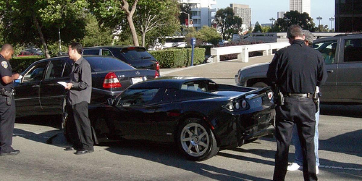 Primer choque de un Tesla Roadster