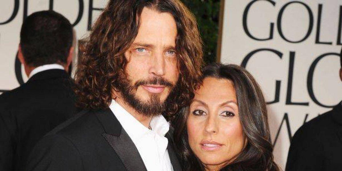 En riguroso negro, la esposa e hijas de Chris Cornell llegan a los Grammy