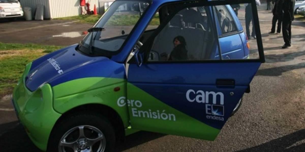 El vehículo eléctrico REVA llega a Chile