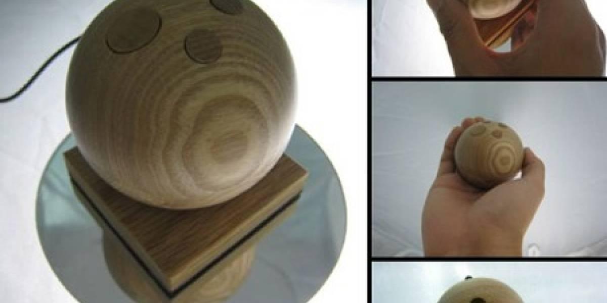 Jupiter: Mouse de madera tipo joystick