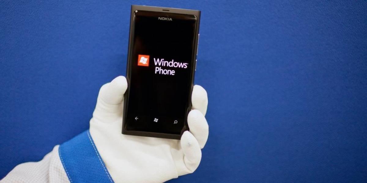 Así se fabrica el Nokia Lumia 800 (en imágenes)