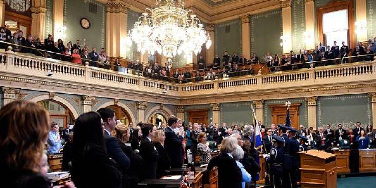 Las claves del primer discurso del Estado de la Unión: Trump asiste acosado a su cita con el Congreso