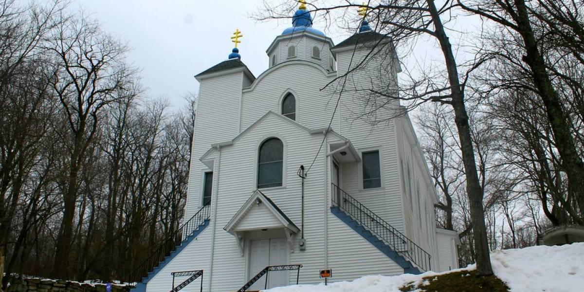 A igreja que sobrevive a incêndio que há 50 anos queima o subterrâneo de cidade americana