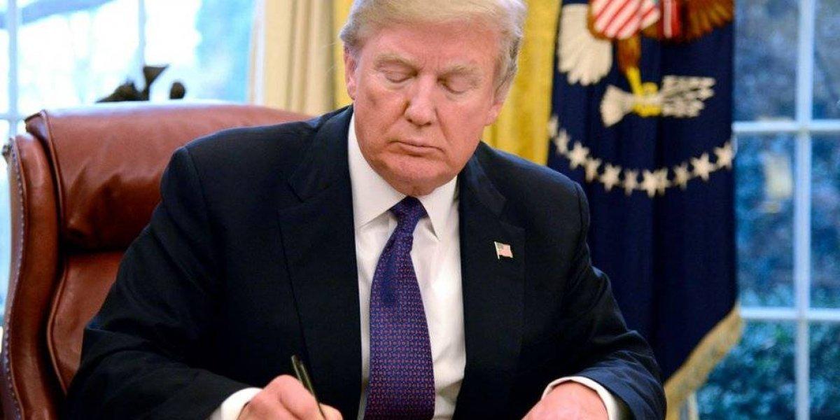 """El índice del presidente Trump acusa: """"FBI hace política a favor de los Demócratas"""""""