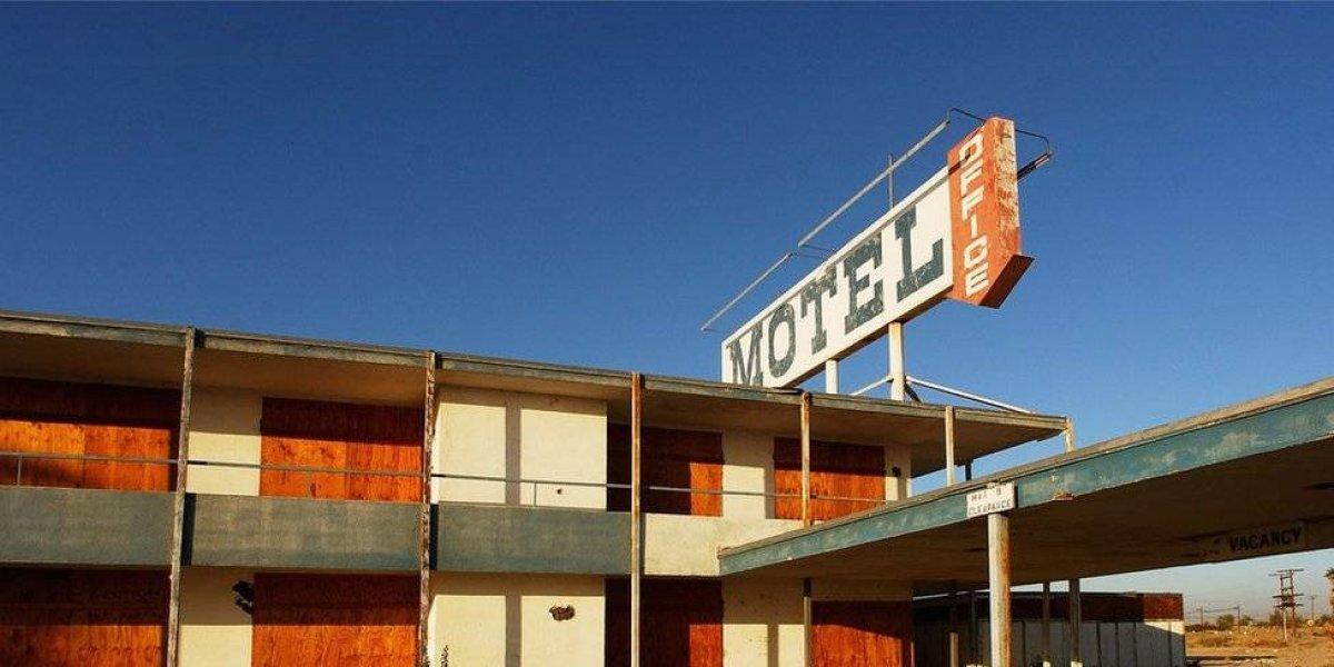 Hicieron un trío en motel de Arica: terminó con baño de sangre y un detenido por homicidio frustrado