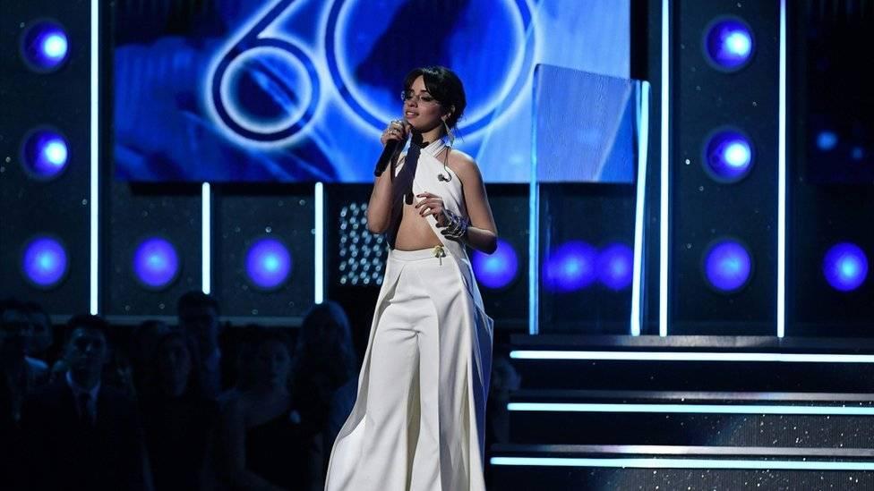 La cantante cubano-estadounidense Camila Cabello dio un mensaje a favor de los inmigrantes. AFP