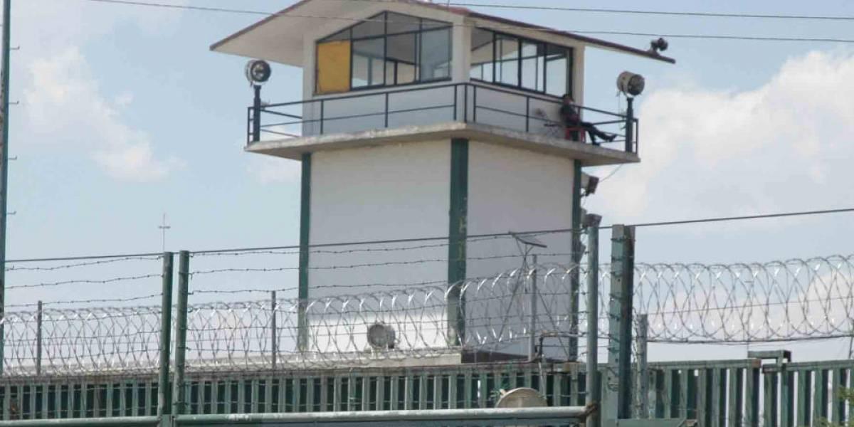 Escapa violador del penal de Almoloya de Juárez